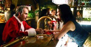 bad-santa-willie-t-stokes-lauren-bar-drinking-billy-bob-thorton-review