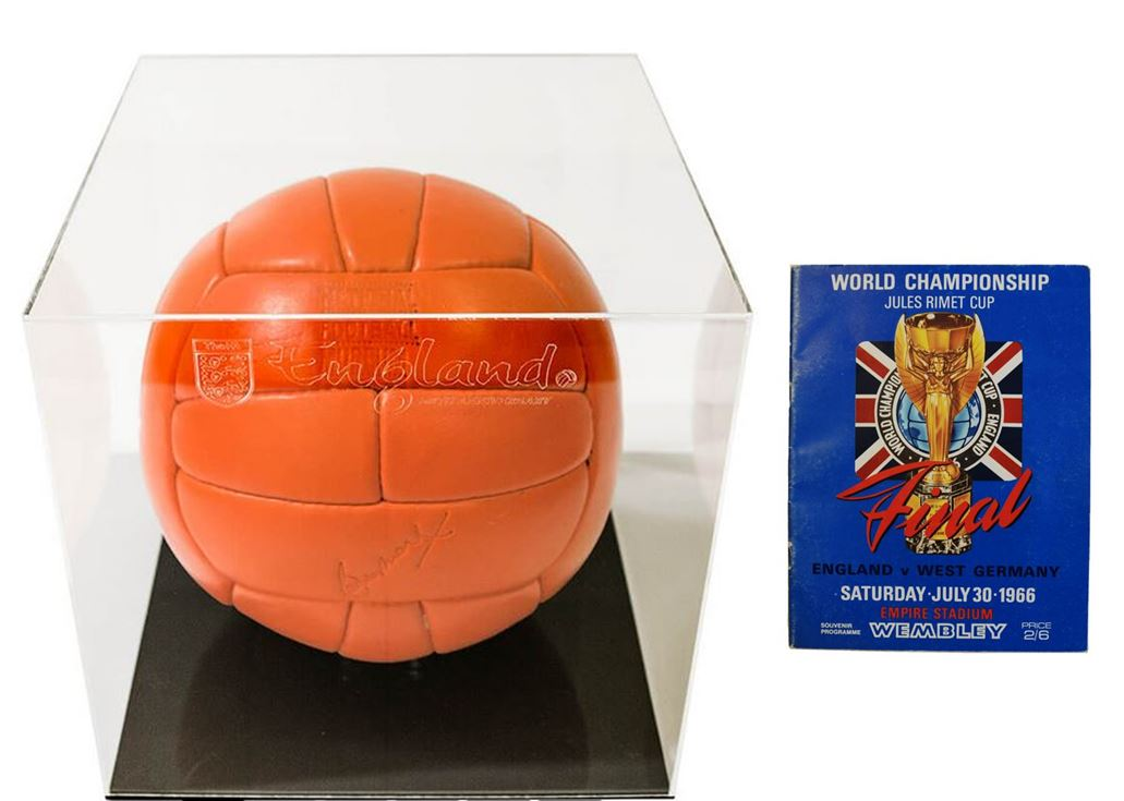 Replica ball and programme